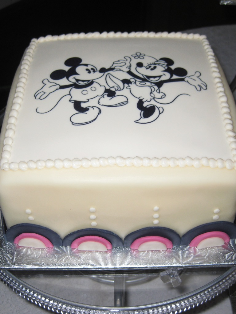 Mickey and Minnie cake - Inspired By Dis
