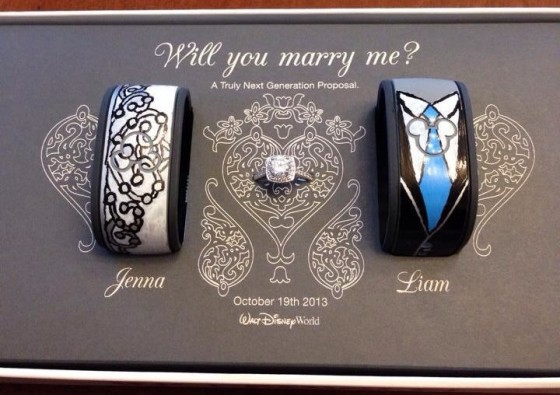 A MagicBands Marriage Proposal at Walt Disney World // Inspired By Dis