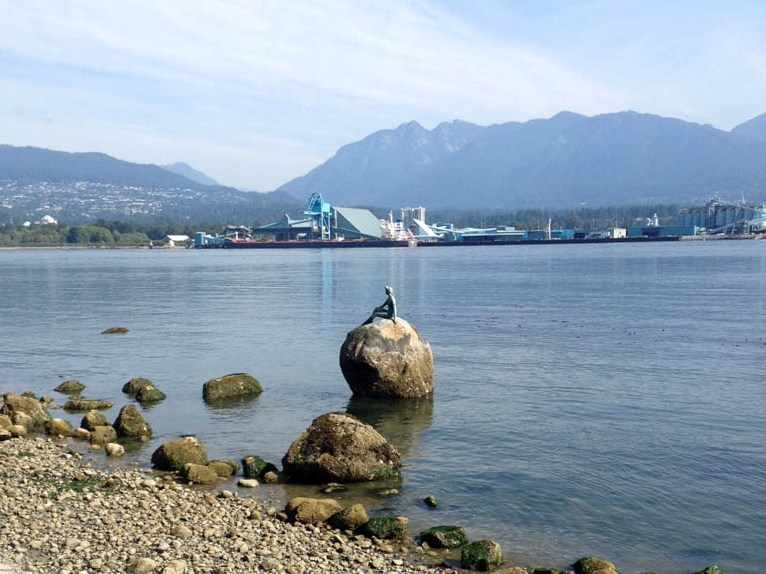 Vancouver and Norwegian Sun Embarkation