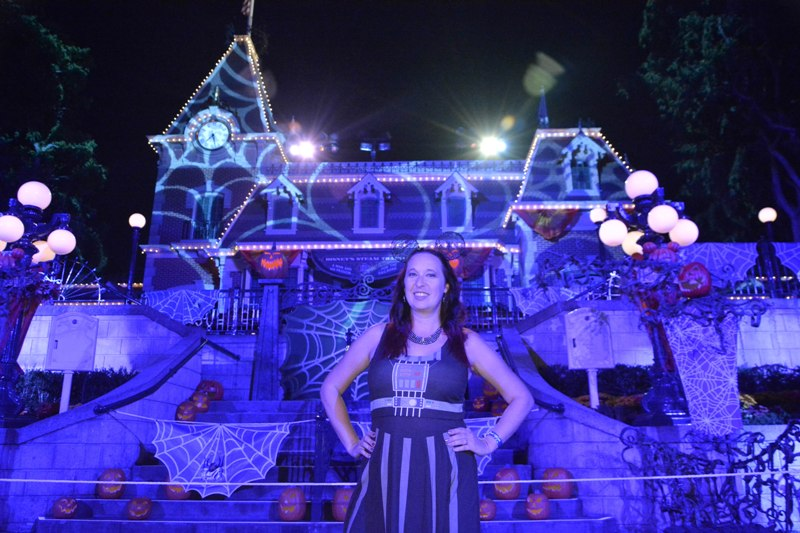 How to See and Do All the Things at Disneyland Mickey's Halloween Party