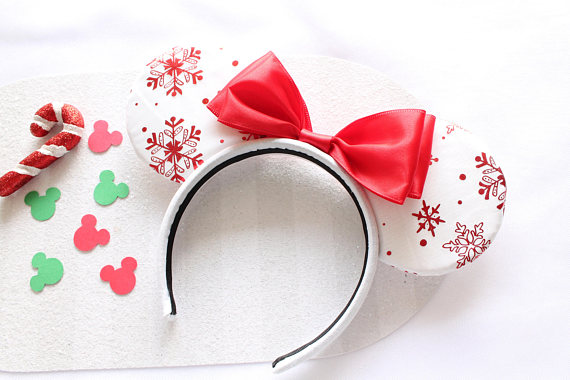 Win the Holiday Season with These Cute Disney Christmas Clothes and Accessories