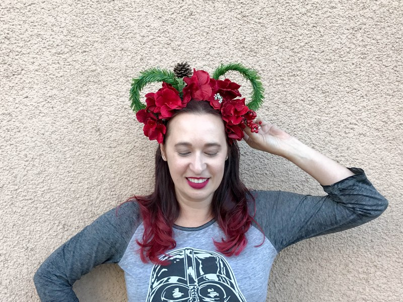 DIY Christmas Wreath Mickey Ears