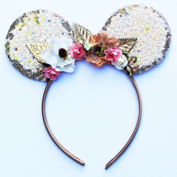 15 Pairs of Mickey Ears Perfect for Spring