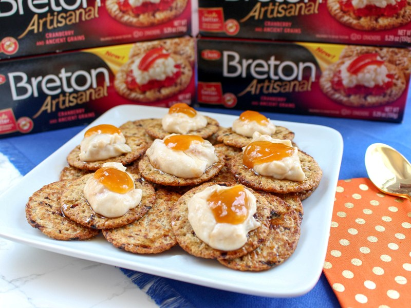 Yummy Apricot Greek Yogurt Topping for Crackers