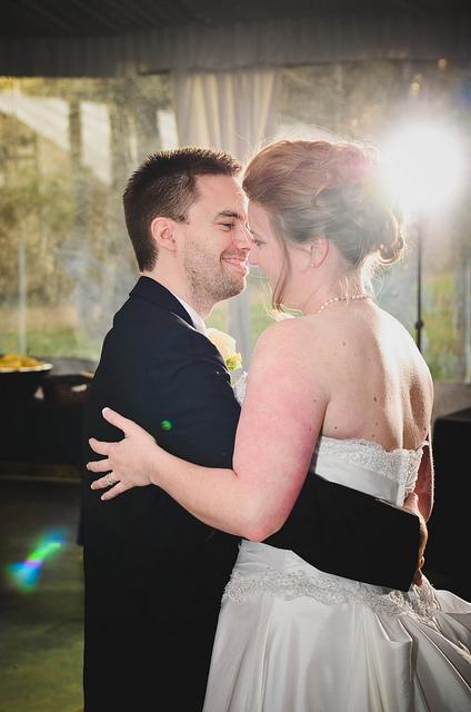 {Real Weddings} Shannon and Randall - Buda, Texas // Edoo Photography