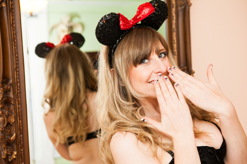 Boudoir Photos Inspired By Minnie Mouse - Photo by Michelle Lacson Photography // Inspired By Dis