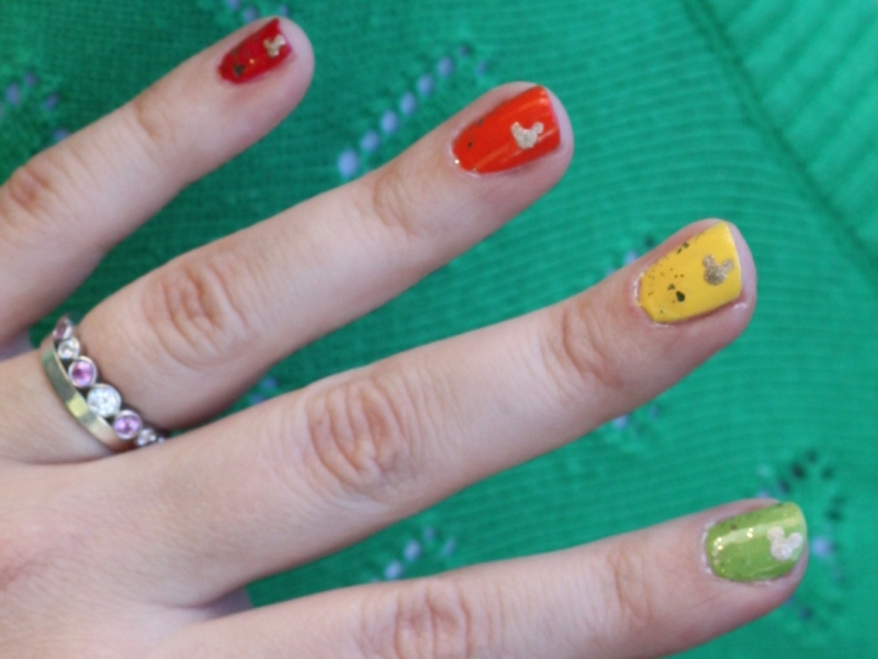 St. Patrick's Day Hidden Mickey Nails // Inspired By Dis
