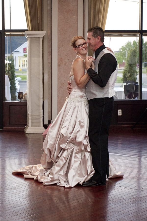 Martha and Dale Barr 35th Anniversary Wedding