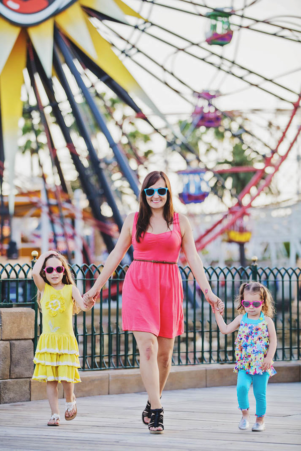 Disneyland Family Session - White Rabbit Photo Boutique // Inspired By Dis