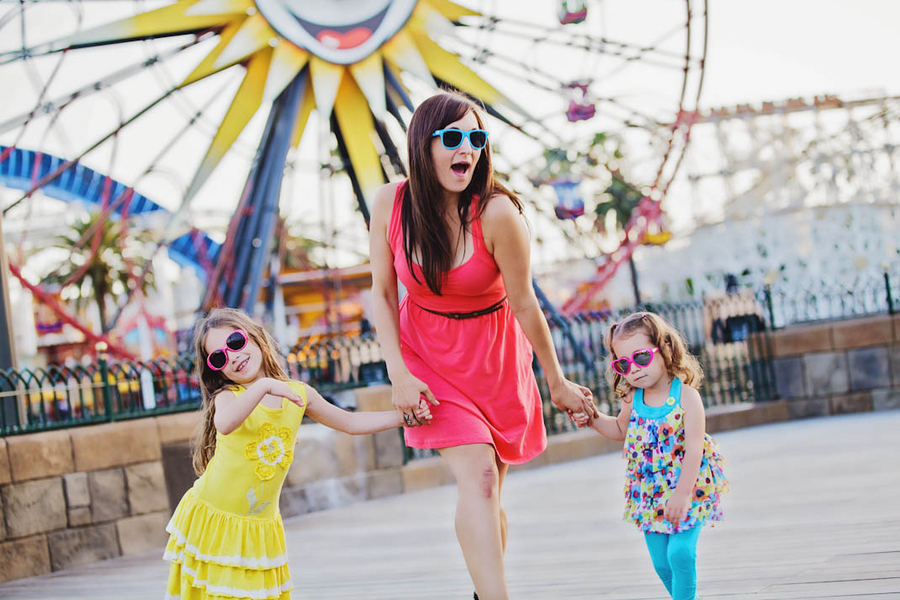 Disney California Adventure Family Session - White Rabbit Photo Boutique // Budget Fairy Tale