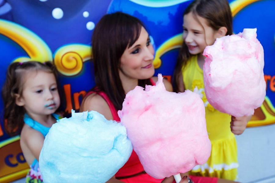 Disney California Adventure Family Session - White Rabbit Photo Boutique // Inspired By Dis