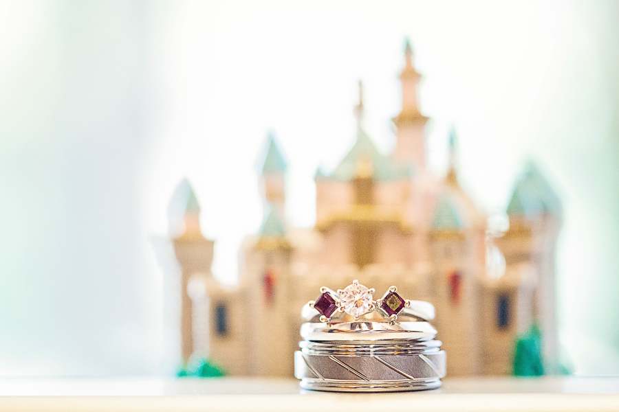 Romantic Disneyland Wedding // Photography by White Rabbit Photo Boutique