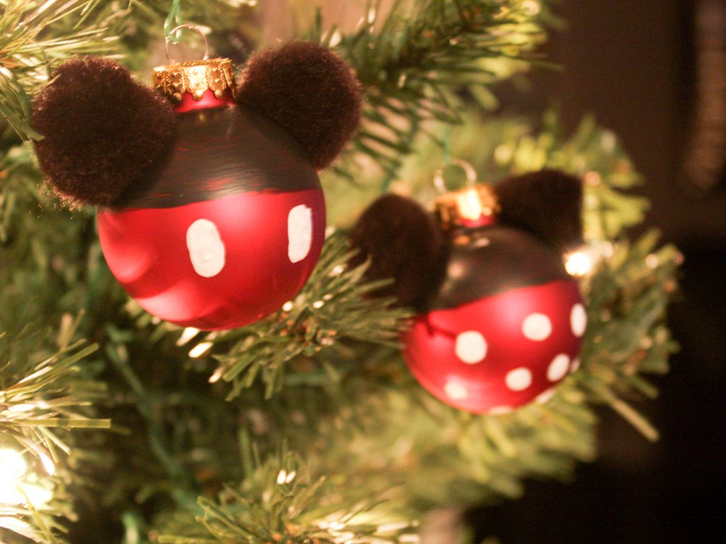 diy mickey and minnie ornaments - Homemade Mickey Mouse Christmas Decorations