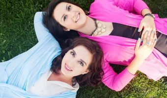 A Frozen DisneyBound Sisters Photo Session