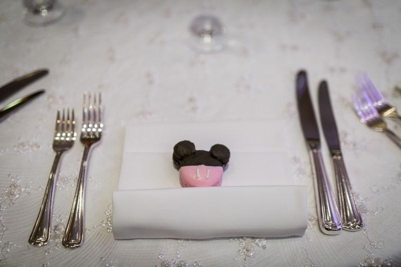 Romantic Mickey and Minnie Wedding Details // VIVIDfotos