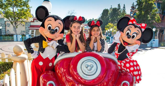 New Signature Photo Experiences at Disneyland