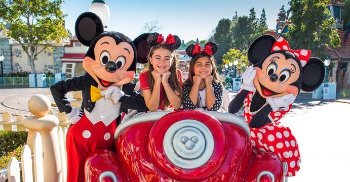 New Signature Photo Experiences at Disneyland