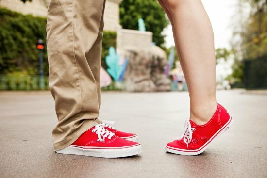 5 Tips for Taking Disneyland Engagement Photos