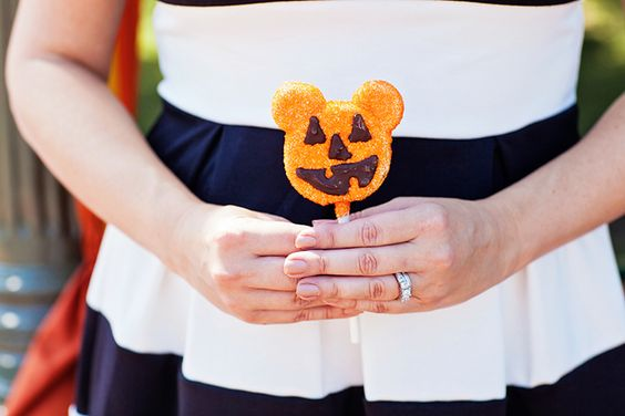 Halloweentime and Fall Disneyland Bucket List