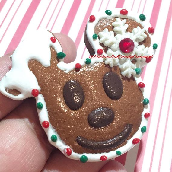 mickey-gingerbread-pendant
