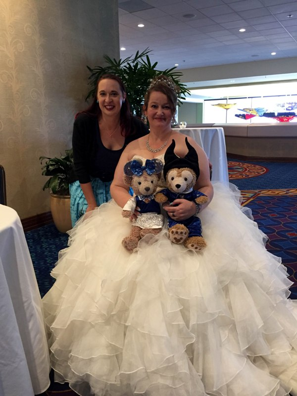"A True ""Guest"" Post: Janet and Jeff's Cinderella Disneyland Vow Renewal"