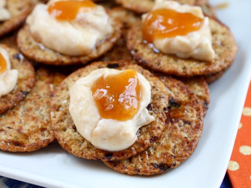 Yummy Apricot Greek Yogurt Topping for Crackers