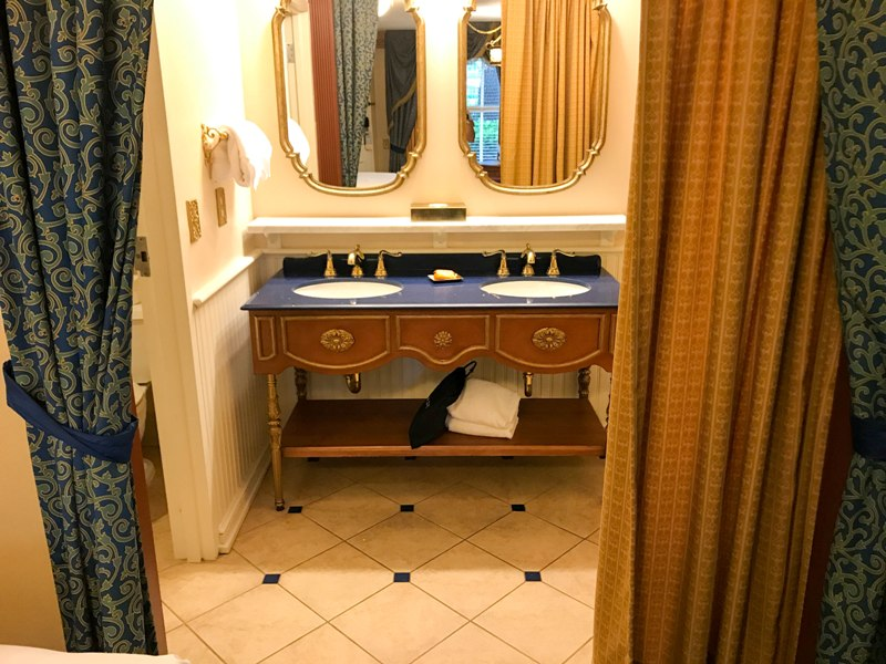 Walt Disney World Hotel Review Royal Rooms At Port