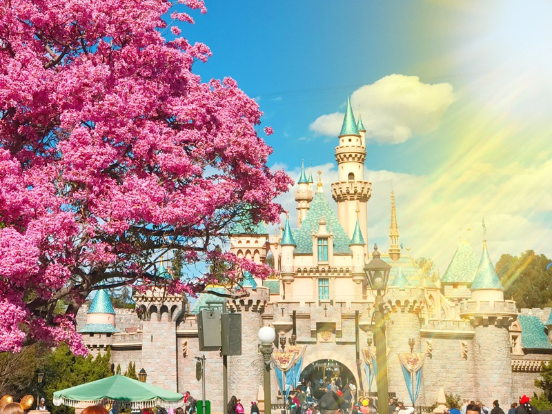 Tips for Surviving Disneyland When it's Super Hot