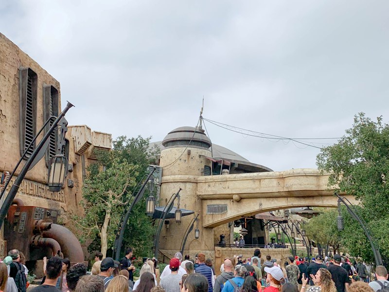 How to Dress, Speak, and Act like a Batuuan at STAR WARS: Galaxy's Edge