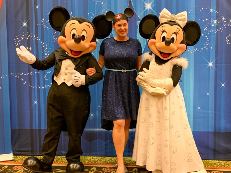 "A True ""Guest"" Post - Ashley and Eric's Cinderella Themed Disneyland Wedding"