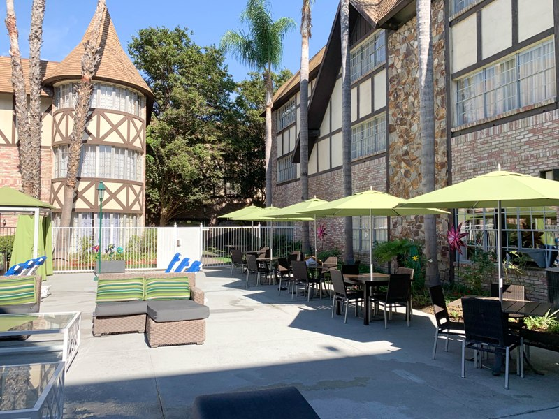 Anaheim Majestic Garden Hotel – Disneyland Good Neighbor Hotel Review