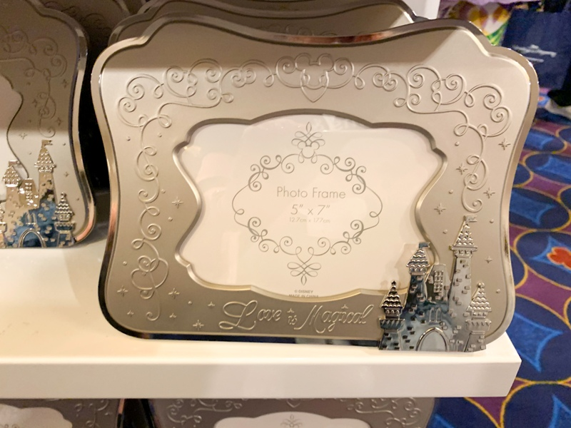 Disney wedding photo frame